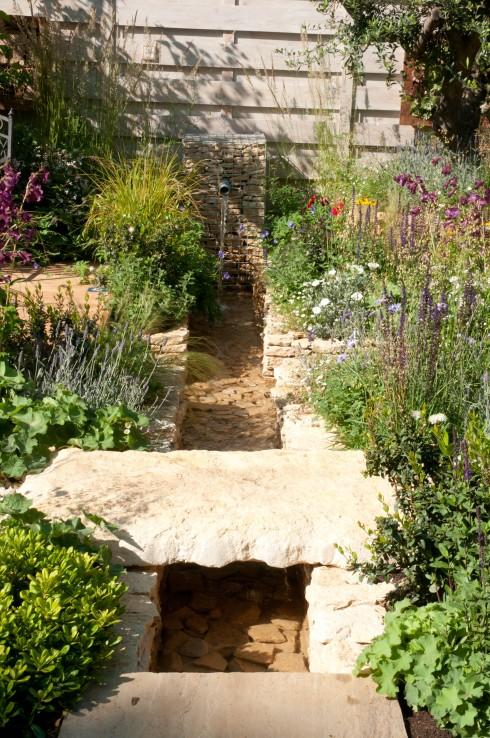 Four corners garden