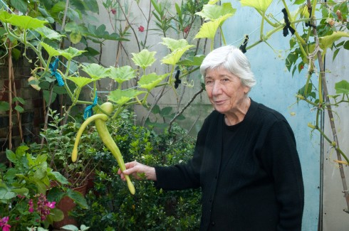 Eleni with her Tromboncino courgettes