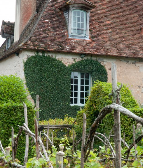 Trained Ivy at Prieure D'Orsan