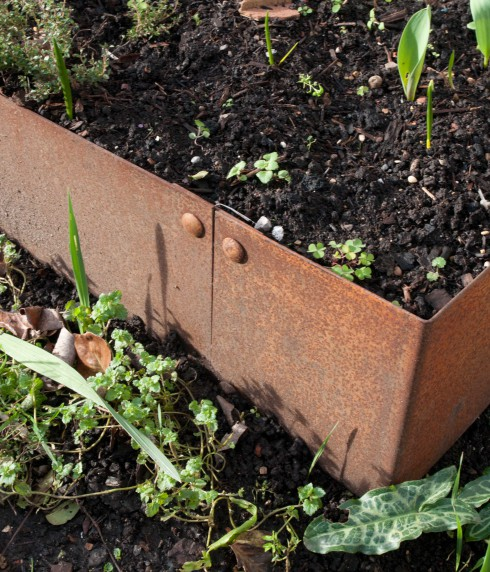 Rusted steel raised bed 2