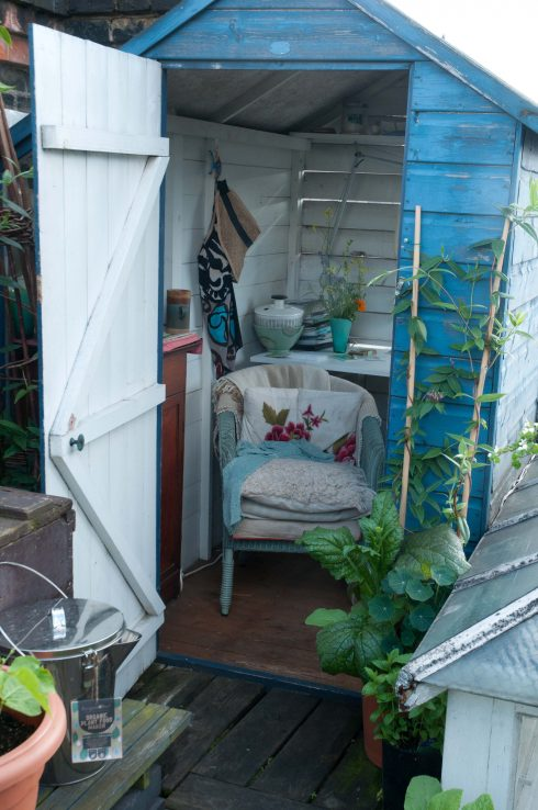 writing-shed-on-wendy-shillams-rooftop